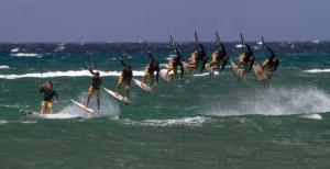 How To Kitesurf – The Kitesurfing Strapless Air